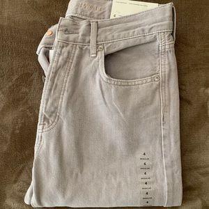 Light grey/Cream American Eagle girlfriend jeans